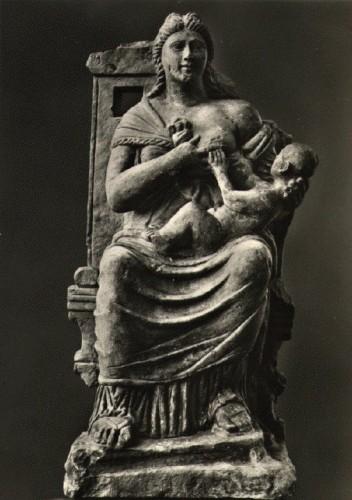 isis lactans greco romaine2.jpg