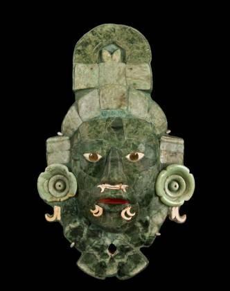 masque funéraire de jade maya .jpg