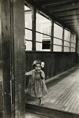 Lewis Wickes Hine Little Orphan Annie in a Pittsburgh Institution, 1909.jpeg