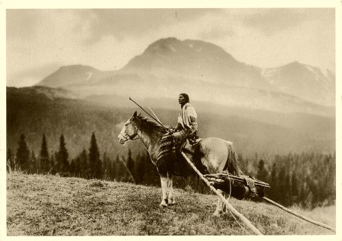 Roland W Reed Woman_with_travois_Blackfoot_by__1915.jpg