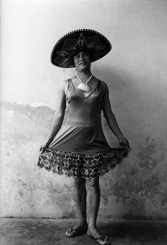 Graciela Iturbide Magnolia Juchitán Oaxaca 1986.jpg