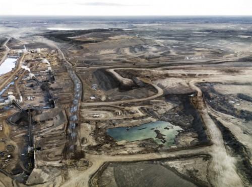 edward-burtynsky-Alberta .jpgOil sands 3.jpg
