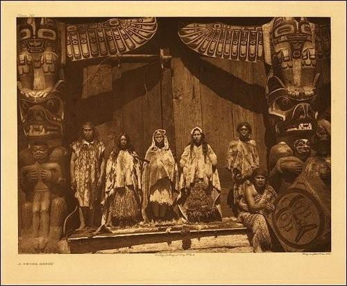 Edward Curtis_Kwakwaka'wakw potlatch 1914.jpg