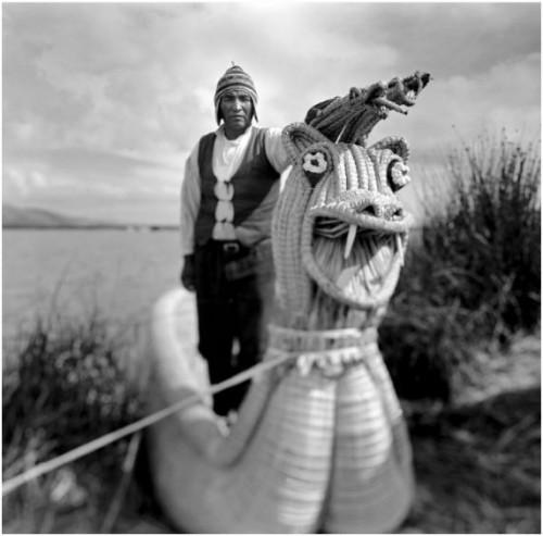 Juan Manuel Castro Prieto Barquero del Titicaca.jpg