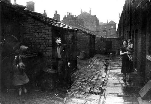 Kurt Hutton the Hardybutts novembre 1939 wigan area minor unemployed lancashire-.jpg