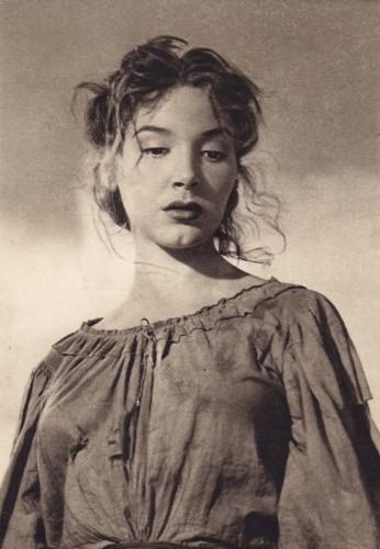 Cosetta Greco  nel film Il Brigante di Tacca del Lupo  de Pietro Germi 1952.jpg