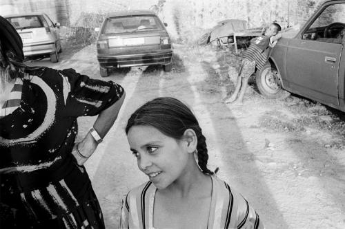 Nikos Economopoulos Etoliko, Grèce, A gipsy girl.jpg