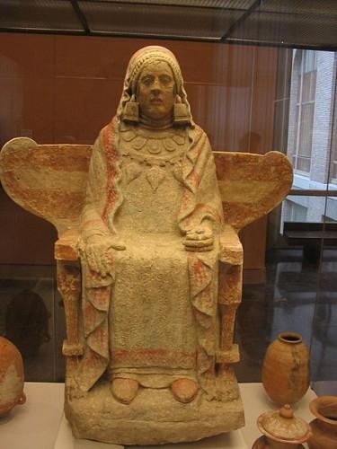 La Dame de Baza art ibérique du IVe siècle avant J.-C.,.jpg