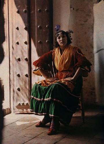 Jules Gervais Courtellemont Spanish gypsie Grenade 1914 .jpg
