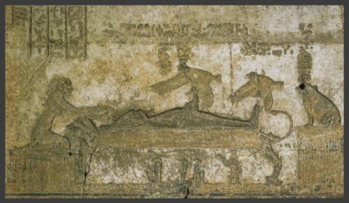 Conception d'Horus par ISIS Période romaine chapelle du toit de l'Ouest Temple d'Hathor Dendérah..jpg