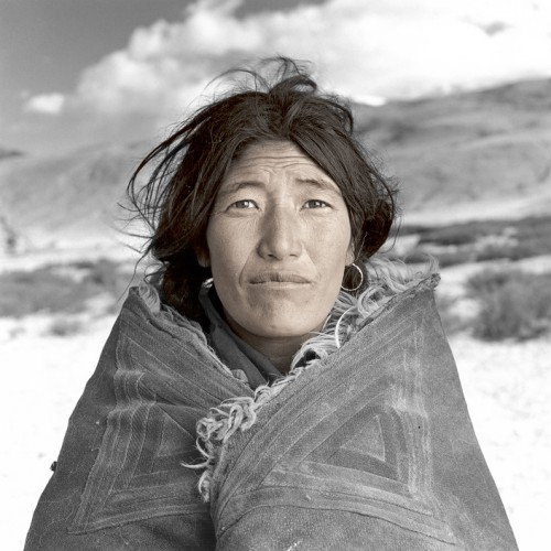 phil borges-Dolma Ladakh Inde06.jpg