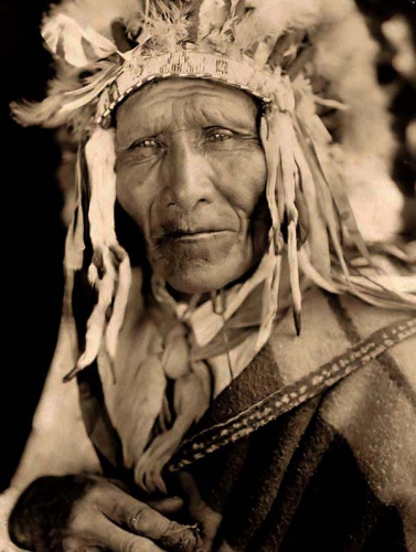 Edward S. Curtis 1905 Ogalala-Chief.jpg