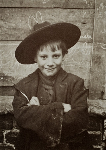 Horace Warner London Street Children, 1900s (21).jpg