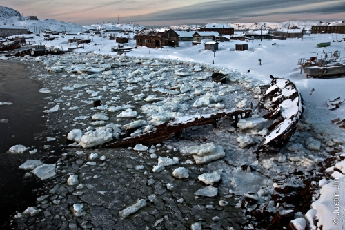 Justin-Jin-Arctic A bay in Teriberka, a once-prosperous fish-processing community.jpg