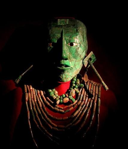 masque funéraire de jade.jpg