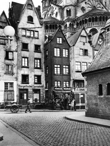 alfred eisenstaedt Old Town, Cologne, Germany, 1934 0.jpg