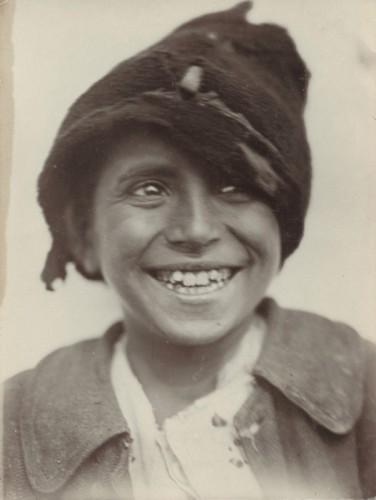 ROMS Photographe anonyme roumanie vers 1930.jpg