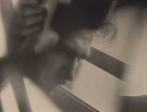 Alvin Langdon Coburn, Ezra Pound (Vortograph)1916-1917.jpg