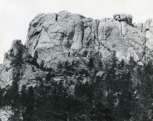 Mount Rushmore s'appelait Six Grand-Pères.jpg