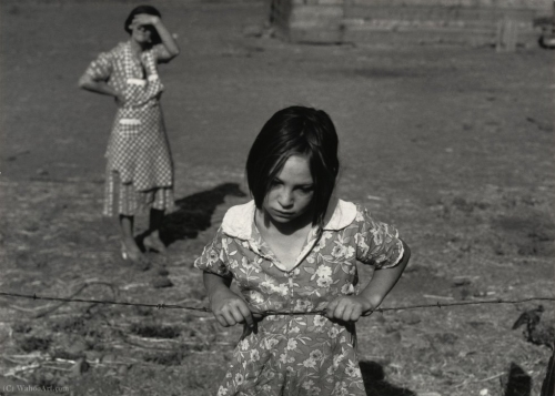 Dorothea Lange Young child of the Great Depression. Washington, Yakima Valley, near Wapato 1939l.jpg