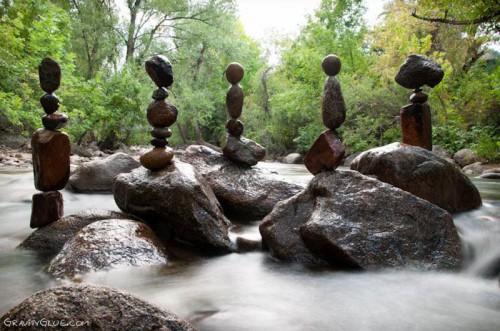 Michael Grab -pierre-equilibre-8.jpg