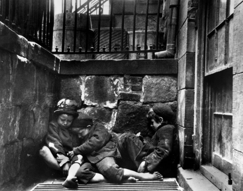Jacob Riis How the Other Half Lives 1880.jpg