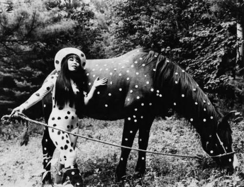 yayoi-kusama-horse-02.jpg