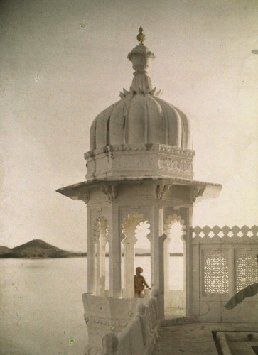 Jules Gervais-Courtellemont  View of the Palace of Maharaja's pond from the Island of the Sultans in Udaipur, India, 1923..jpg
