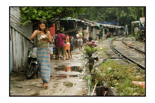 Simon Kolton people from the railway bangkok7.jpg