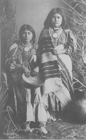JOHN K. HILLERS. Coyotera Apaches 1879-1881.jpg