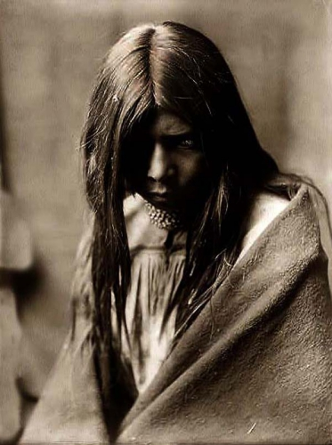 Edward S. Curtis Zosh Clishn, Apache Indian Girl 1906.jpg