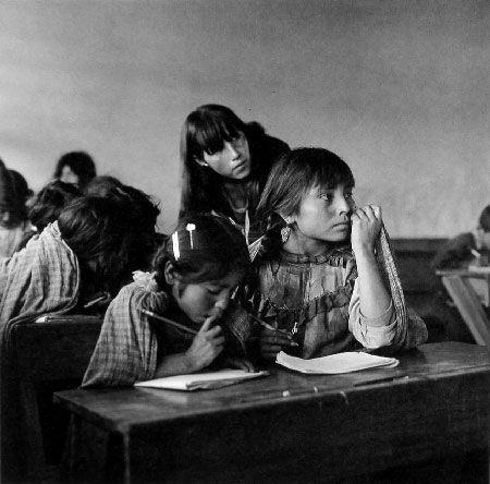 Mariana Yampolsky, Escuela mazahua,  1979..jpg