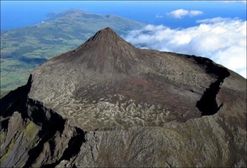 Herbert Terra Mont Pico Açores.jpg