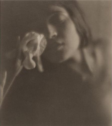 Edward Weston_tina modottimi 1921.jpg