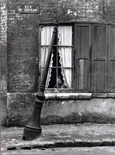 André Kertész Rue Du Cuédic, Le Havre 1948.jpg