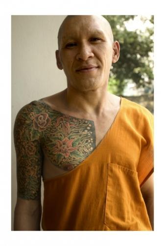 Simon Kolton friendly monk bangkok.jpg