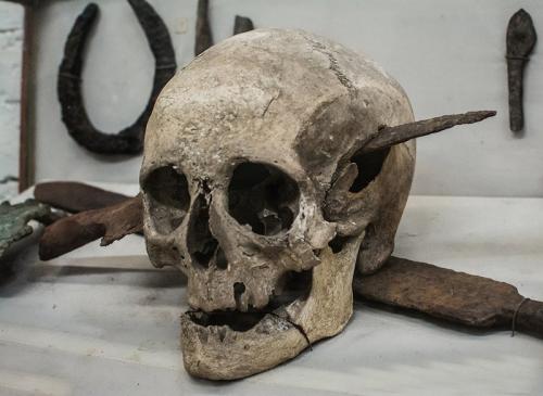 soldat romain mort pendant la guerre des Gaules, 52 av jc.png