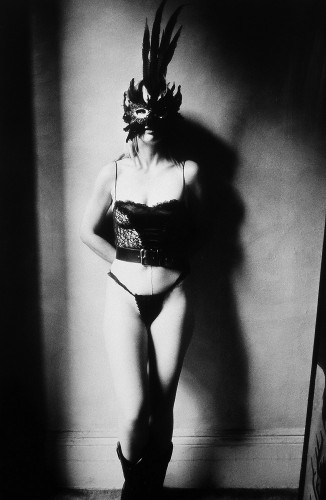 anthony friedkin girls with a mask brothel1992 new york.jpg