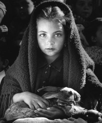Jean Dieuzaide La Petite Fille au Lapin, Portugal 1953.jpg