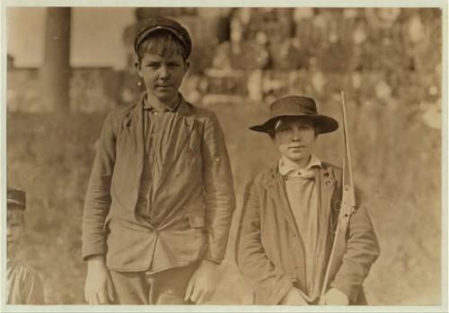 Lewis W. Hine  1908 6r.jpg