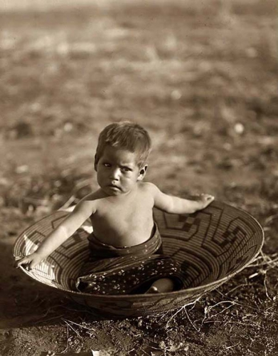 Edward S. Curtis 1907 Maricopa Child.jpg