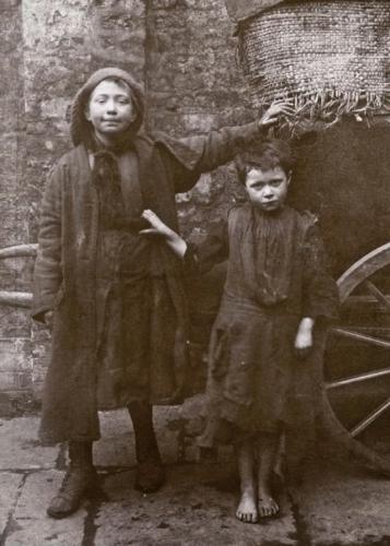 Horace Warner London Street Children, 1900s (14).jpg