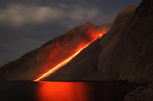 Martin-Rietze-Eruption-Batu Tara Photography-30225256.jpg