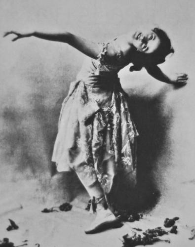 Isadora Duncan 1899.jpg