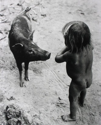 Jürgen Heinemann;Girl and pig 1960.jpg
