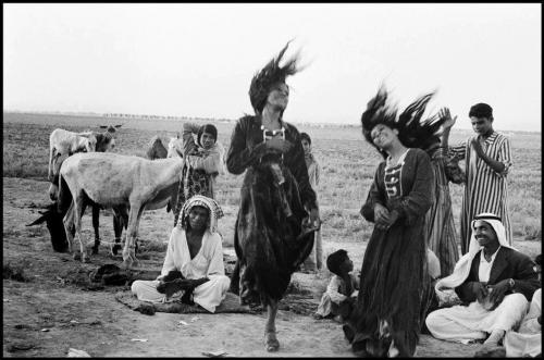 "Gypsies dancing in a camp near Catesiphon"", Iraq 1956, - Inge Morath_n.jpg"