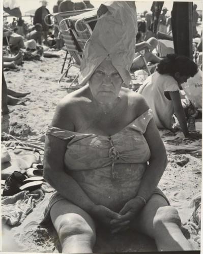 Leon Levinstein L Beach.jpg