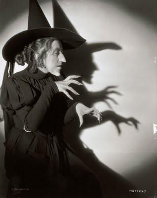 Virgil Apger Margaret Hamilton for 'The Wizard of Oz' 1939.jpg