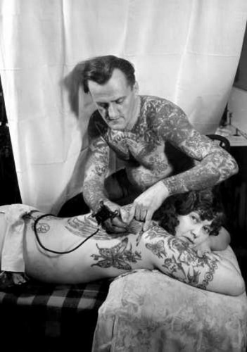 a aubrey bodine tattoo parlor 1934.jpg