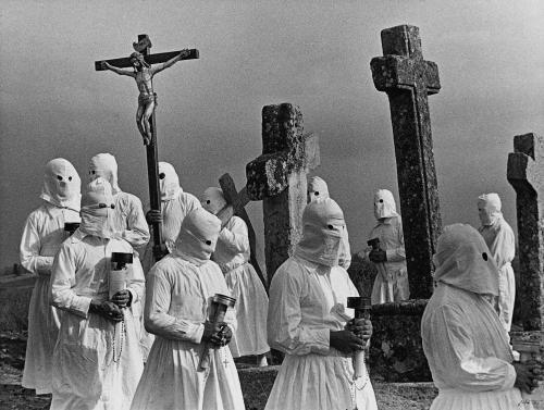 rafael sanz lobato-Viernes santo. Bercianos de Aliste, 1971.jpg